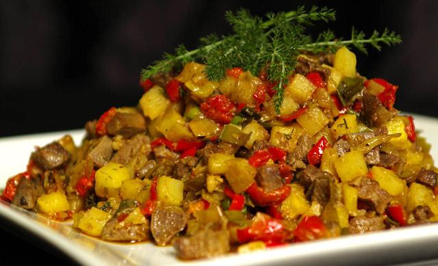 Frito mallorquín, plato típico de la gastronomía mallorquina
